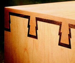 dovetails-with-inlay-done-on-leigh-d4r-woodworking-jig